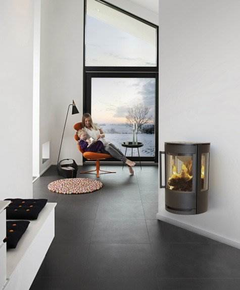 Luma 1 Wall Hung - At WIKING, we constantly develop new and continually better ways to unite the warmth and cosiness we know from the traditional fireplace with our customers' requirements for a heated furniture and an efficient energy source.The large glass in the door allows you to fully enjoy the living fire that has fascinated people for millennia.