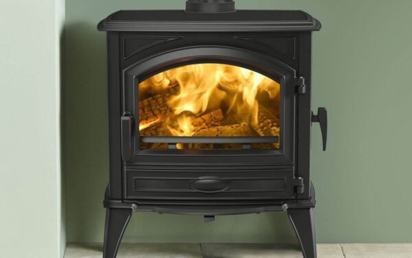 Dovre 640 - The Dovre 640WD wood burner is a well proportioned, classic cast iron stove that features a side loading door, front glass door and a separate ashpan door. The side stove door allows logs of up to 50cm in length to be loaded into the wood burner so that less sawing is required when owners are using their own wood.