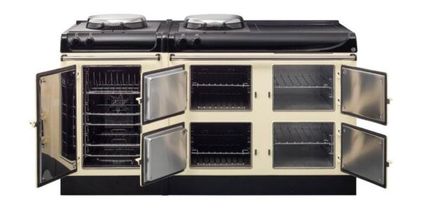AGA eR3 170 Electric - Perfect for large families or for those who love to cook, the AGA 3 Series 170cm is our largest range cooker offering optimal cooking flexibility thanks to its cast-iron ovens for baking, roasting and simmering, a useful warming oven and a 90 litre capacity best-in-class conventional fan oven.