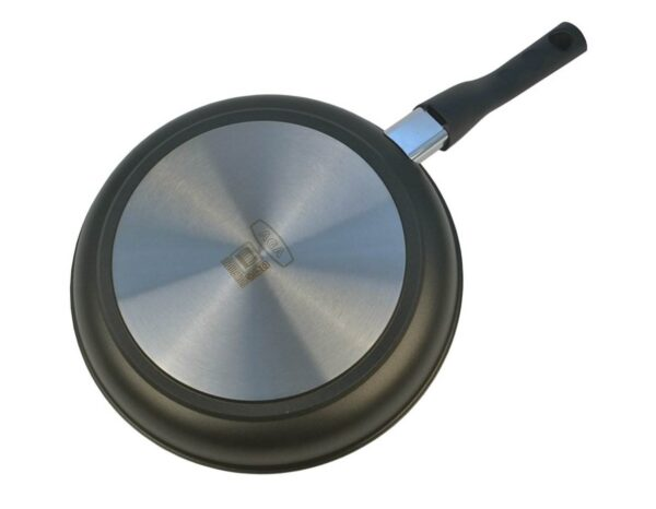 """AGA Induction Cast Aluminium Fry Pan - <span style=""""float: none; background-color: #ffffff; color: #3a3a3a; cursor: text; font-family: Georgia,'Times New Roman','Bitstream Charter',Times,serif; font-size: 100%; font-style: inherit; font-variant: normal; font-weight: inherit; letter-spacing: normal; text-align: left; text-decoration: none; text-indent: 0px; text-transform: none;"""">The 6.5mm bases provide optimum heat absorption and distribution, delivering outstanding energy efficiency.</span> <span style=""""float: none; background-color: #ffffff; color: #3a3a3a; cursor: text; font-family: Georgia,'Times New Roman','Bitstream Charter',Times,serif; font-size: 100%; font-style: inherit; font-variant: normal; font-weight: inherit; letter-spacing: normal; text-align: left; text-decoration: none; text-indent: 0px; text-transform: none;"""">Burnt on food and laborious scrubbing will become a thing of the past. The non-stick coating makes cleaning so easy, just a quick soak in hot, soapy water will to the trick.</span>"""