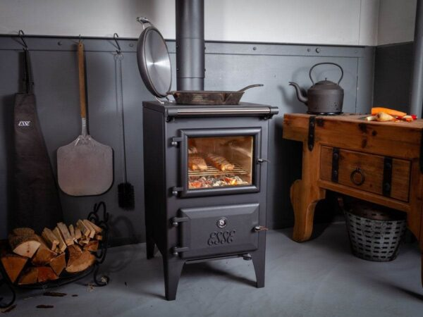 Esse Bakeheart - The new Bakeheart is an elegantly proportioned wood-fired cooking stove that provides room-filling radiant heat, a four-zone cooking hob and a generous baking oven. While its rugged cast-iron design and simple styling may give the impression that the Bakeheart has been around for decades, this state-of-the-art piece of quality British engineering encapsulates everything we've learned in more than 160 years of manufacturing stoves and range cookers.