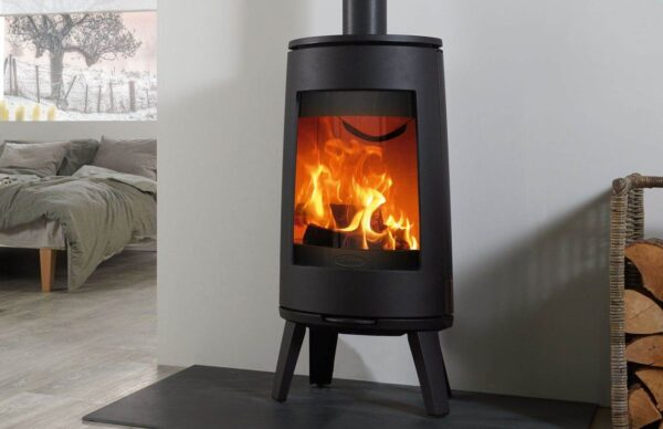 """Dovre Bold 300 - Minimalist Nordic styling abound, the Dovre Bold 300 offers a truly contemporary take on the wood burning stove. Featuring a tall firebox with a curved viewing window, the 300 rests on a four-point stand and is available in Black, Pure White Enamel or Grey Enamel finishes. Generating superb flame visuals with an ample 7kW of heat, the Bold wood burning stove range employs advanced?<a href=""""https://dovre.co.uk/labels/cleanburn/"""">Cleanburn</a>?and?<a href=""""https://dovre.co.uk/labels/airwash/"""">Airwash</a>?technology, burning at up to 80% efficiency. This stunning wood burning cast iron stove range also includes the?<a href=""""https://dovre.co.uk/appliance/bold-400-wood-stoves/"""">Bold 400</a>?with integrated storage base."""