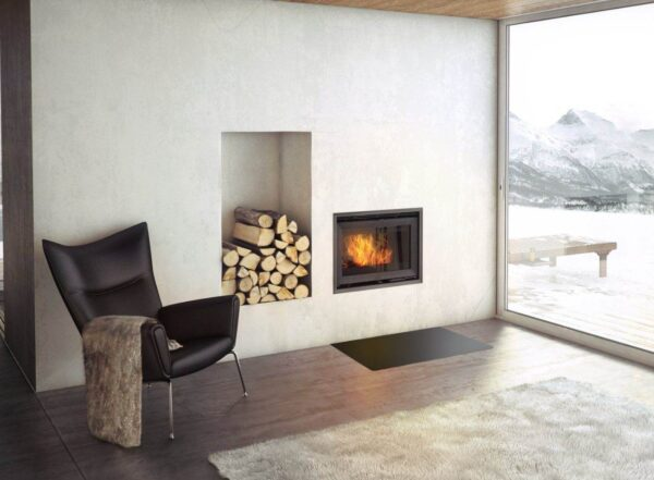 Jotul C24 - The Jøtul C 24 cassette stove offers one of the world's largest views to the fire, compared to the size of the cassette. The clean design makes it suitable for any interior style.