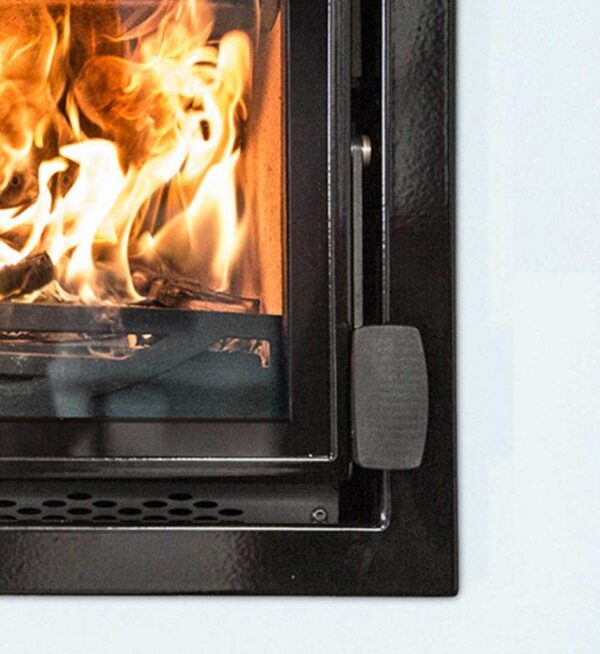 Charnwood Bay 5 VL - The Bay VL features a large landscape window framed with a sharp edged surround for a more clean lined look
