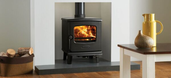 Dovre 225 - Featuring a square firebox, subtle curving details and compact dimensions, the Dovre 225 is a versatile yet powerful wood burning stove that offers style and quality in equal measure.