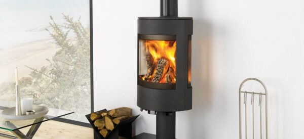 Dovre Astroline 3 - With sleek and contemporary styling, Dovre's Astroline 3 cast iron wood burning stove not only offers you an exceptional view of the fire but also a choice of two distinctive variants.