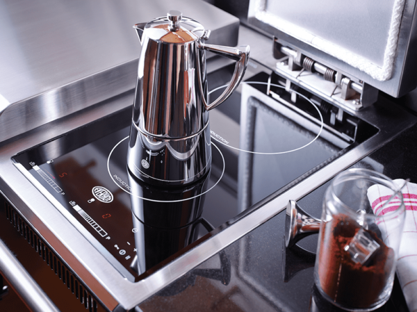 """Everhot 90i - TheEverhot 90i has an integral two zone induction hob, neatly fitted under the right hand lid. The induction hob offers you extra capacity at any time and a fantastic solution for those summer days when you simply don't want heat in the kitchen. Induction is unrivalled in terms of control, speed and efficiency.  Click<a href=""""https://www.topstak.co.uk/events/"""">here</a>for a list of upcoming cooking demonstrations"""