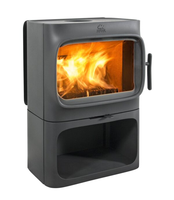 Jotul F305 - The Jøtul F 305 series consists of three models. The horizontal design makes it easy to place logs and provides a rapid heat transfer to the room. Integrated convection reduces the distance to combustible materials at the rear. With Norwegian designers Anderssen & Voll, we have made a stove which merges 160 years of heating experience with timeless design.