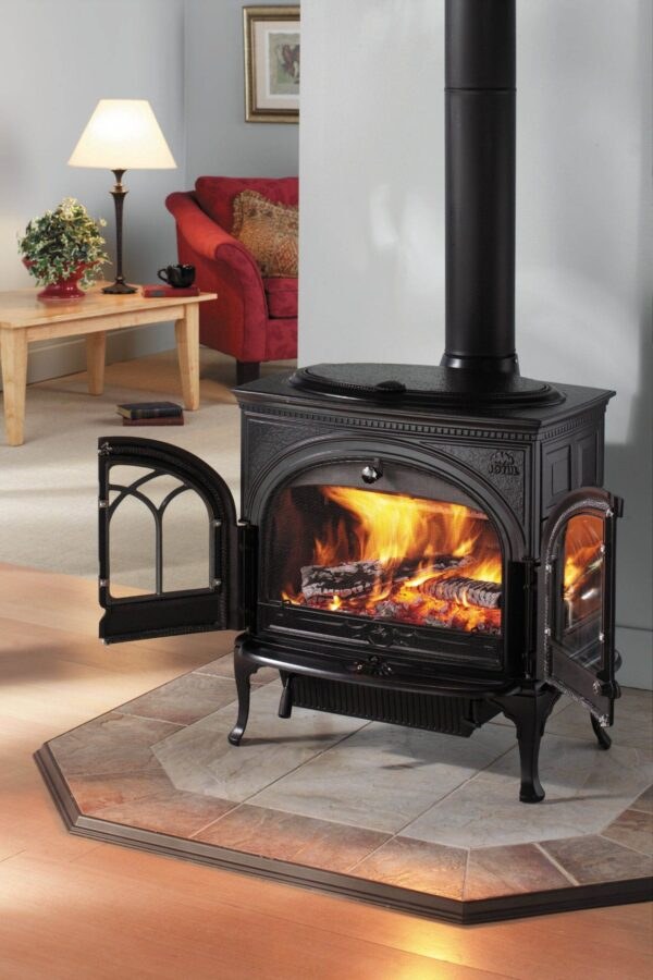 Jotul F600 - With all of the technological features of its smaller cousins, the Jotul F 600 is a large and timeless log burner. It is designed to have room for considerably sized logs and has a large firebox volume to heat much larger rooms. In addition, it is superbly crafted with a side-loading door for added convenience and an easily accessed ash pan.