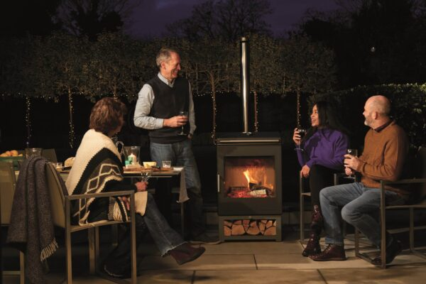 Chesney's Heat & Grill Outdoor Stove & BBQ Bundle - Chesney's Heat & Grill Outdoor Stove & BBQ Bundle The award winning Chesney's Heat & Grill is a high performance dual-function heater barbecue which has been made for those who love nothing more than firing up the barbecue for a spontaneous outdoor feast or simply looking for ways to use their precious outdoor space more often. Now available in a bundle with everything you need to get you started! <em><strong>*Offer ends 12th September 2021</strong></em> <b>Scroll down to see what is included:</b>