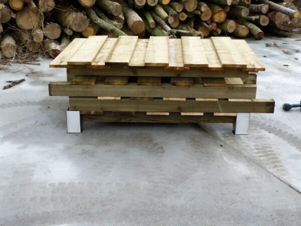"""LOG STORE - 130MM WIDE, SINGLE DEPTH - This log store will hold approximately 2/3 cubic metre of 14"""" Logs. <strong>Dimensions:</strong>?Width: 130cm, Height:162cm, Depth: 63cm"""