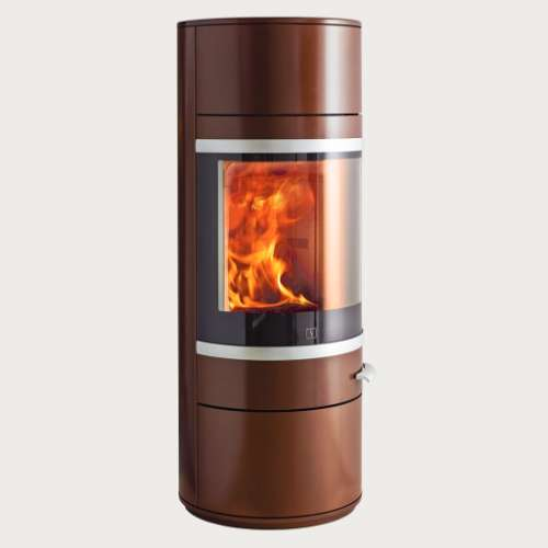 Scan 83 Series - The noiseless and self-closing soft-close door is only one of many unique details caracterizing the Scan 83. The curved glass door gives a perfect view of the fire, and the handle has been positioned so that it completes the simple design, while remaining cool at the same time. The Scan 83 can be supplied with a revolving base, so that you can enjoy the flames wherever you are in the room.
