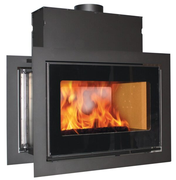 Scan DSA 12 - Built-in fireplaces give the wood-burning stove a different role than the traditional one. Before lighting the fire,the expression is unobtrusive; when the fire is blazing, the flames create living art on the wall. This is a clear choice when renovating open fireplaces or building new ones.