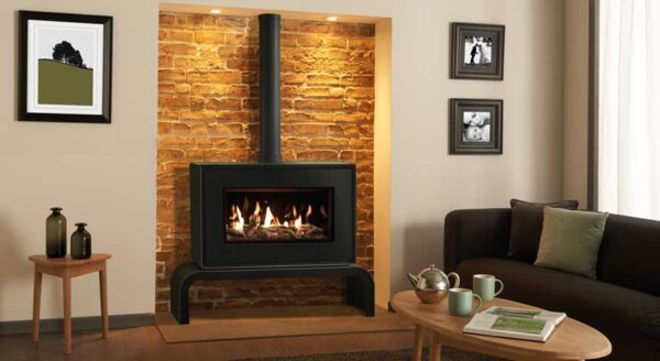 """Gazco Studio 1 Freestanding - Offering a breathtaking view of the rolling flames, the Studio 1 Freestanding gas fire and the?<a href=""""https://www.stovax.com/stove-fire/studio-freestanding-gas-fires/studio-1-freestanding-gas-fires-2/"""">Studio 2 Freestanding gas fire</a>?shown incorporate the same high efficiency firebox technology as their?<a href=""""https://www.stovax.com/stove-fire/studio-gas-fires/"""">Studio inset equivalents</a>, as well as the wide range of Studio fuel bed and firebox lining options. These large format fires are available with a choice of smoothly curving bench or plinth mounting options, each echoing the fire?s distinctive design and are offered in either White or Black finishes."""