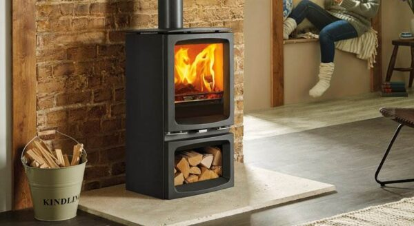 Stovax Vogue Midi - Offering a superb view of the flames, the versatile styling of the Stovax Vogue Midi wood burning and multi-fuel stove fits perfectly into contemporary and traditional interiors alike. Featuring advanced Ecodesign ready Cleanburn combustion systems, the Midi is capable of burning at an impressive 81% thermal efficiency, generating an ample 5kW of heat.