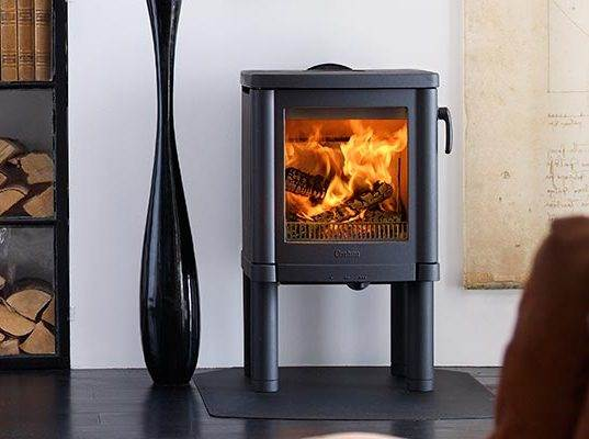 Contura 51 - Contura 51 is modern cast iron stove with convection air. Four adjustable legs mean that it is stable on any floor. The attractive handle is chromed as standard but is also available in black, as illustrated.
