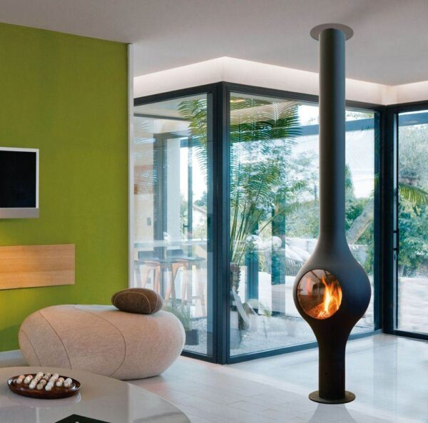 Boafocus Central - Aside from this anecdote, the Boafocus central model combines a svelte yet elegantly curvy silhouette with an efficient multi-functional gas fire.