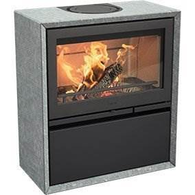 Contura 320T - Natural soapstone surround give the C320T an even more exclusive look. The stone also plays an important role in storing heat and maintaining the temperature for a longer period of time. Available with cast-iron or glass door.