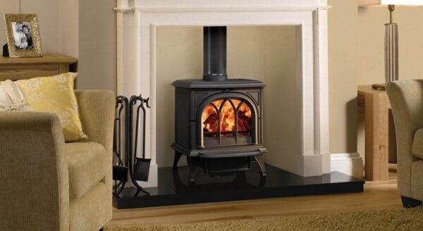 Stovax Huntingdon 30 - Traditional 'Gothic' styling has made the Stovax Huntingdon range popular but most stove models are also offered with a clear door window. Available in 5 stove sizes.