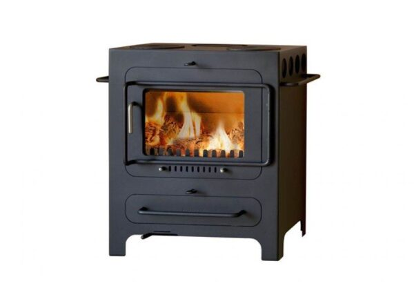 Hwam Classic 4 - A true multifunctional stove with many functional details and options. Classic and nostalgic wood-burning stove meets modern technology to create beautiful harmony.