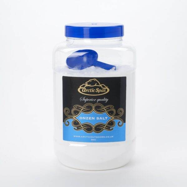 Onzen Salt 5kg - Onzen Salt is graded to be suitable for use with spa salt water sanitising systems. Adding Onzen Salt to your hot tub enables the sanitising system to generate free chlorine which disinfects your hot tub water, keeping it safe and bacteria free. Onzen Salt contains no anti-caking agents that could otherwise affect the sanitising cell.