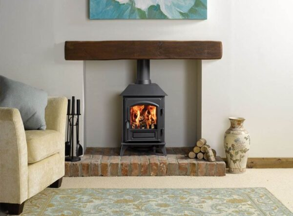 Stovax Riva Plus Small - The Stovax Riva™ Plus Small wood burning and multi-fuel stove is an efficient way of heating your room. It has a versatile design to match many decorative styles.  All Riva™ Plus stoves feature Cleanburn combustion systems, allowing them to burn logs or solid fuels with outstanding efficiency. More heat is delivered in to the room and less heat goes up the chimney.