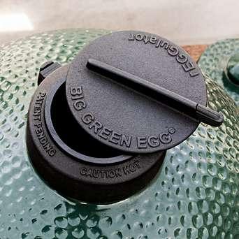 rEGGulator Temperature Control Cap for Big Green Egg - Precise temperature control at your fingertips for your Big Green Egg BBQ.