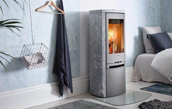 Contura 720T - With a surround made of heat-retaining soapstone, Contura 720T is a beautiful and efficient heat source.