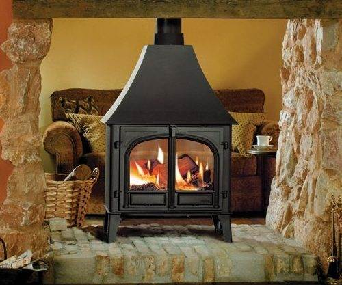 Stovax Stockton 11 Double Sided - There are two sizes of stove from which to choose – Stockton 8 Double and Stockton 11 Double. Although this double sided configuration does not allow the incorporation of full Cleanburn technology, both stoves still include an Airwash system to keep the glass clean and are able to burn both wood and multi-fuel. The smaller Stockton 8 Double will provide you with a significant heat output, up to 9kW, whilst the Stockton 11 Double produces an even more powerful 11kW. Otherwise, the two models have exactly the same specifications as their single sided equivalents.