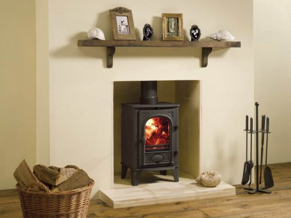 Stovax Stockton 4 - Available in both wood burning and multi-fuel versions, the Stovax Stockton 4 is one of our most popular stoves. With its slim, vertical alignment it is ideally suited to smaller rooms and will complement a traditionally styled or contemporary interior. Choose from a range of four colours to further personalise your stove to your interior d?cor.