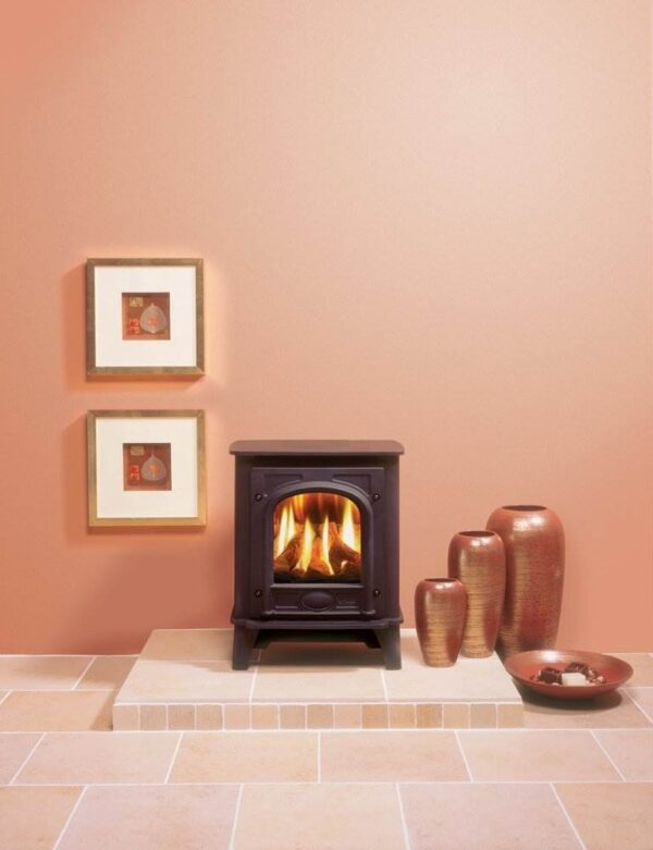 Gazco Stockton Small Gas - Using cast iron for the door and heavy gauge steel for the body, Gas Stockton2 stoves combine simple, understated lines with Gazco's superb living flame technology. Both Small and Medium sizes provide superior flames, with carefully positioned flame ports ensuring a varied and natural display amongst the hand painted logs. Stockton2 stoves can be upgraded with either a Standard or Programmable Thermostatic remote control if desired, and are available in either conventional or balanced flue versions to suit a variety of installations.