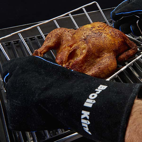 Broil King Leather Grilling Gloves - Heavy duty leather grilling gloves with extra soft linings. Black gloves and blue accents with a silk screened Broil King logo. These deluxe grilling glove become more comfortable the more that they're worn.