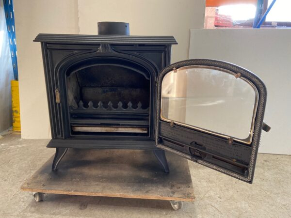 Franco Belge Merville 10kw - Reconditioned Franco Belge Merville 10kw Wood Burning Stove Manufactured France, cast iron Flue connection: top or rear 150mm