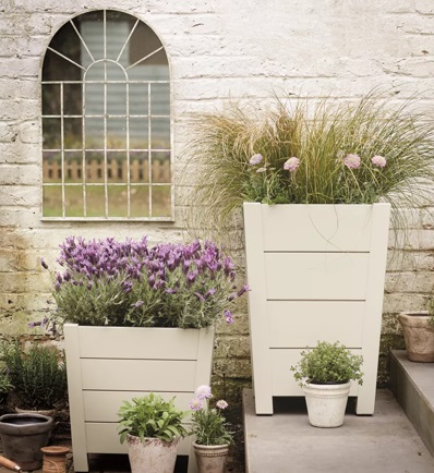 Neptune Bibury planter