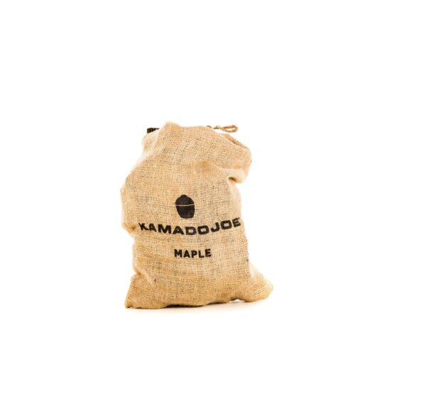 Kamado Joe - Maple Chunks (4.5kg) - From assertive to subtle, our chunks and chips come in a variety of wood types, each imparting its own distinct flavor: apple, cherry, hickory, maple, oak and pecan.