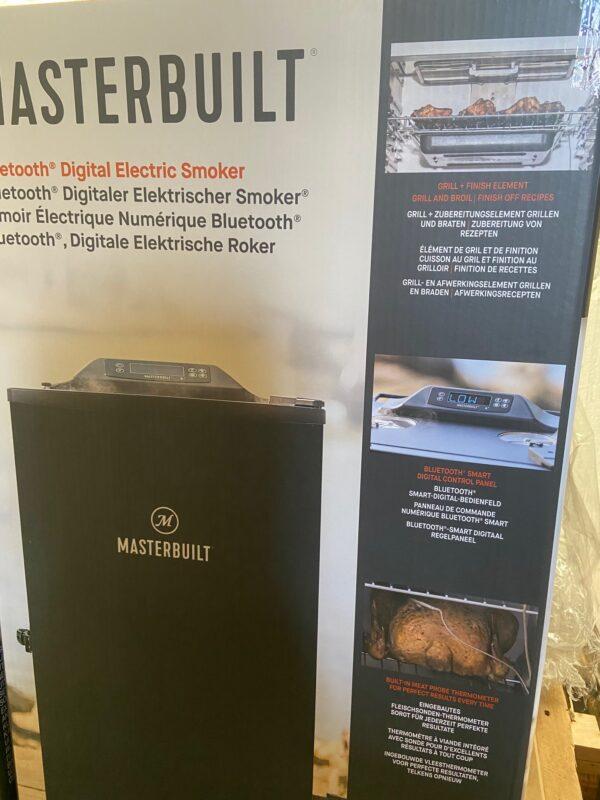 Masterbuilt digital smoker