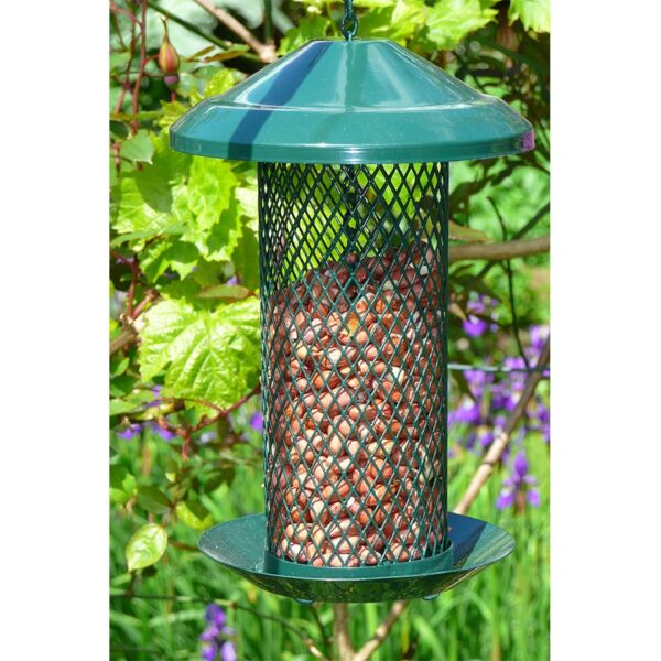Original Diamond Bird Feeder for peanuts - Wildlife World were the first manufacturer in the world to use diamond expanded metal mesh for making a strong squirrel resilient feeder with excellent feeding characteristics. The original diamond Feeder has a wide roof for maximum weather protection a domed base with drainage and comes complete with integral tray, which prevents waste and provides a landing platform. The chain can also be hooked into itself to prevent squirrels lifting the lid. Base collar for pole fitting.