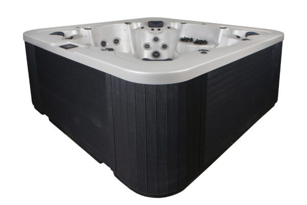 Novitek Kiilo 6-seater hot tub - The four different angles of the Kiilo outdoor hot tub massage each bather from just the right places.