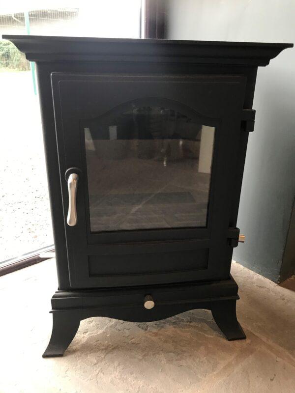 Chesney's Belgravia 6 in black- Ex Display