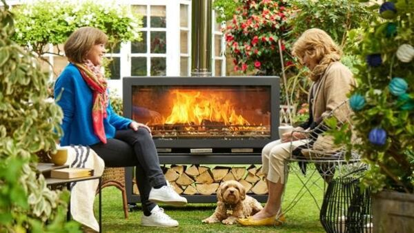 CHESNEY HEAT CLEAN BURN XL - A hugely powerful and eco-friendly wood burning Garden Heater, the Clean Burn XL has been created to offer even greater heat output than the Clean Burn, a pleasing landscape format and the flexibility to be positioned to suit your outside space. Modular in design, and manufactured in the UK, the burner offers a 110cm wide fire chamber with a panoramic glass window for a spectacular view of the fire, while the optional chunky wood store provides a stylish base and ample storage for logs.  <strong>Please note, this price does not include the optional Logstore which would need to be added/ordered separately.</strong>