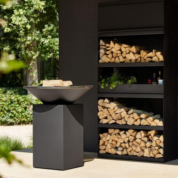 Ofyr - Classic Black 85 - Smart and sophisticated, OFYR Classic Black makes a bold statement in any outdoor setting. Light it up, and it turns every outdoor event into a special occasion. Constructed from rugged steel with a black heat-resistant coating. Available in 85cm and 100cm diameter.