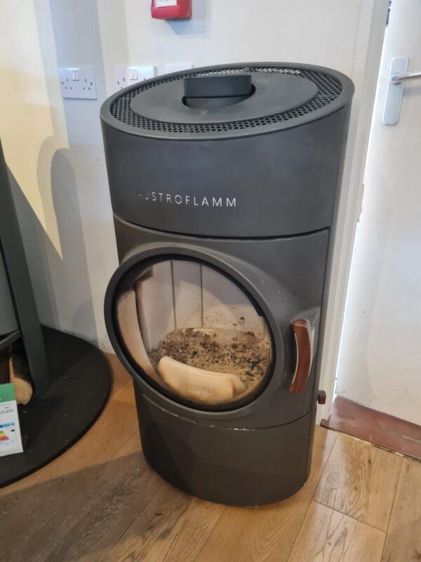 Austroflamm Clou Compact ex-display (used) wood-burning stove